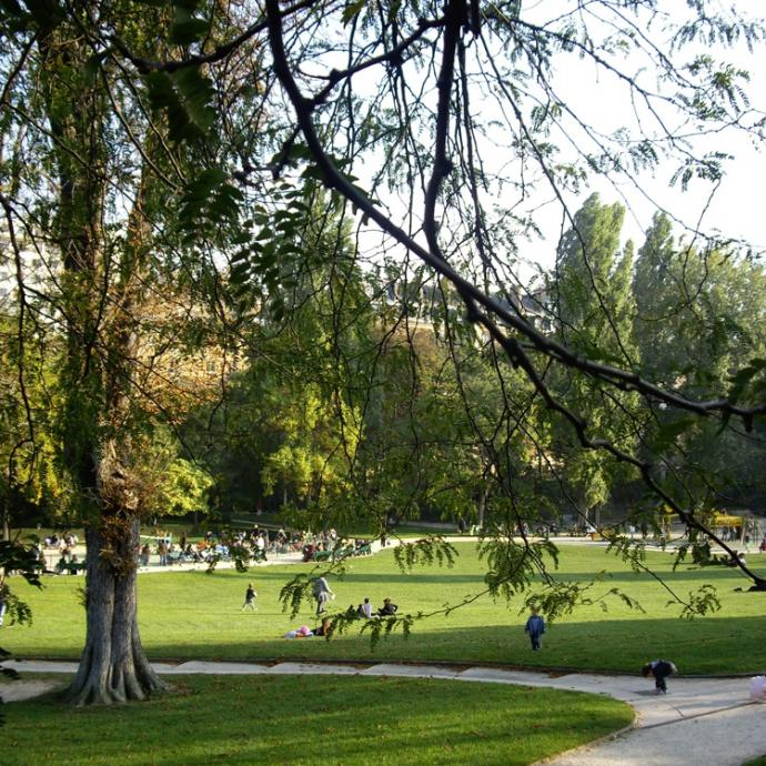 Parks in Paris for a rustic ambience